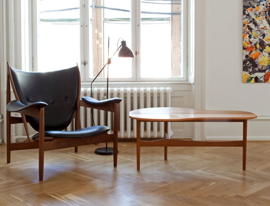Der Butterfly Table mit Chieftain Chair in Leder von FinnJuhl