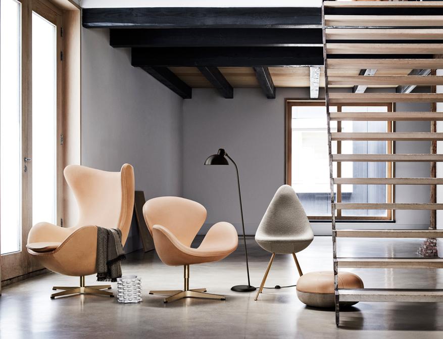 Der Drop Chair, das Egg Chair und der Schwan von Arne Jacobsen aus der 60th Anniversary Edition
