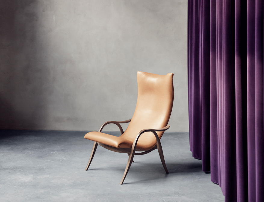 Der Signature Chair FH429 in Leder Natural und Walnuss von Frits Henningsen