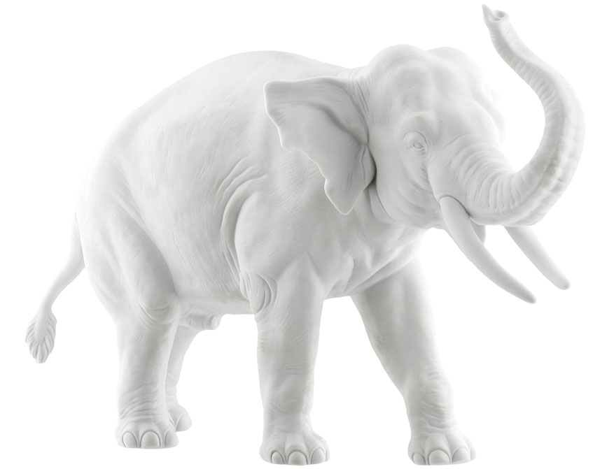 Der Elefant Edward aus weißem Biskuitporzellan gefertigt von der Porzellanmanufaktur Nymphenburg in München