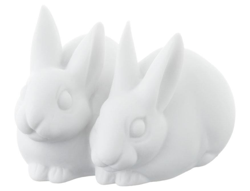 Das Hasenpaar aus weißem Biskuitporzellan gefertigt von der Porzellanmanufaktur Nymphenburg in München