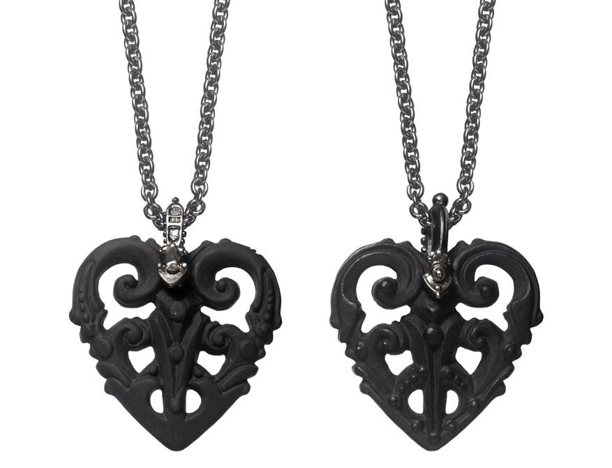 Das Herz in Größe L aus schwarzem Biskuitporzellan von Patrik Muff für Nymphenburg
