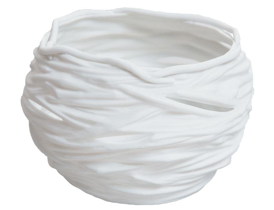 Das Nestwindlicht in weißem Biskuitporzellan von Ted Muehling für die Porzellanmanufaktur Nymphenburg