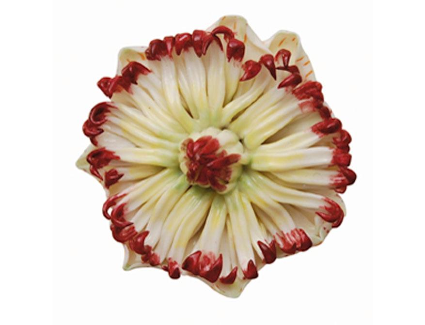 Die Passionsblume handbemalt aus Biskuitporzellan gefertigt von der Porzellanmanufaktur Nymphenburg in München