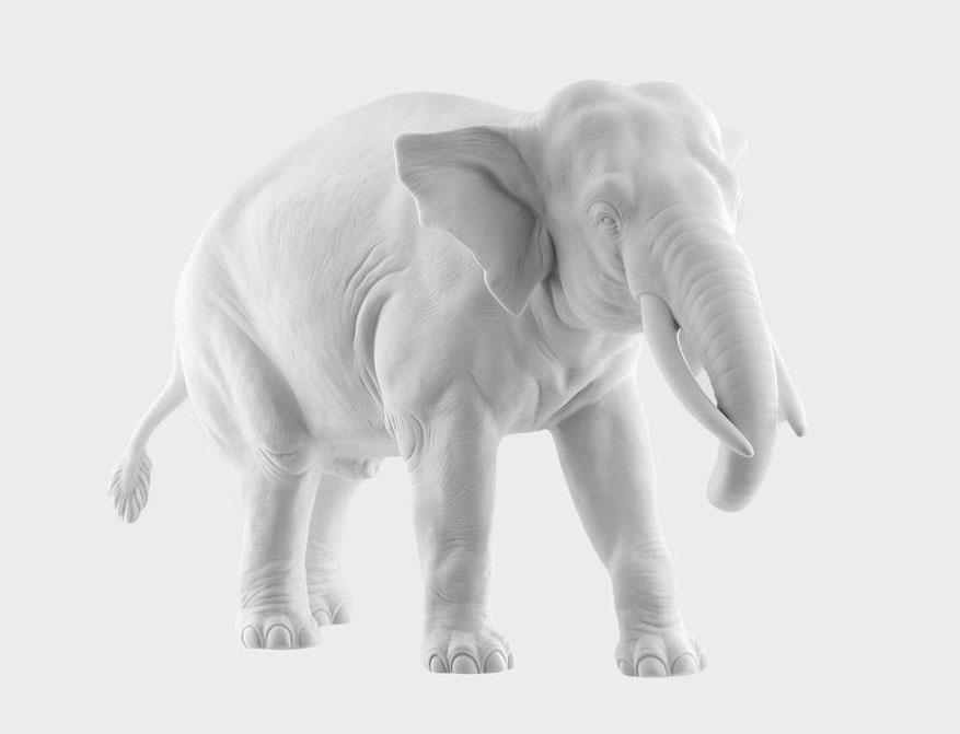 Der Elefant Djamila aus weißem Biskuitporzellan gefertigt von der Porzellanmanufaktur Nymphenburg