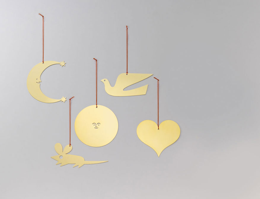 Girard Ornaments Dove, Heart, Moon, Sun und Mouse aus Messing von Alexander Girard