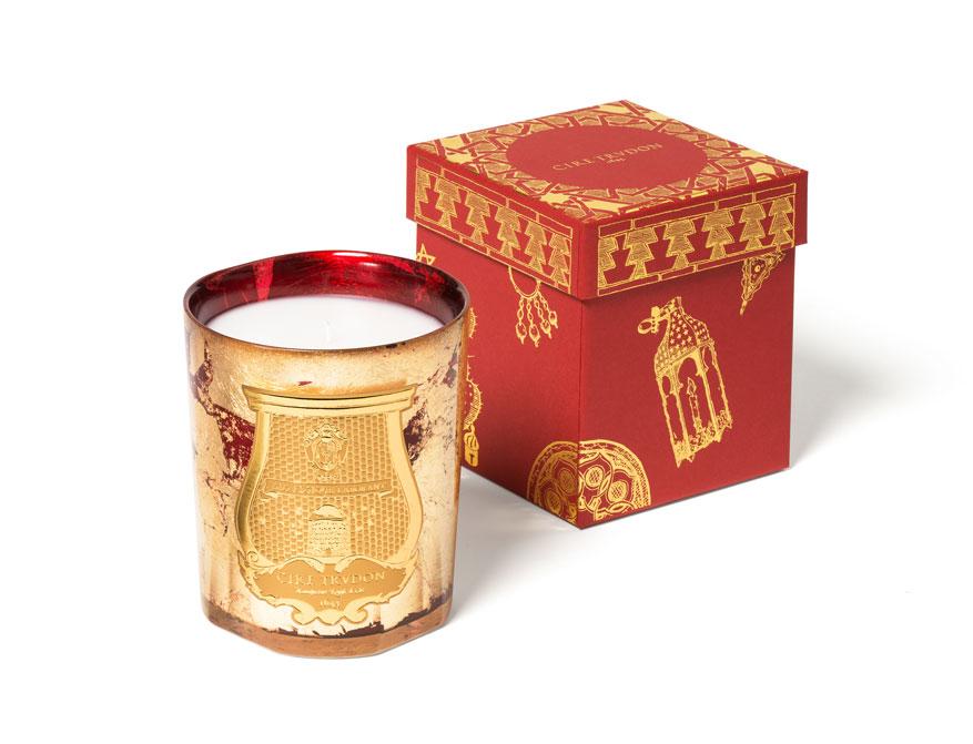 Die Duftkerze Gloria in rot-goldenem Glas aus der limitierten Christmas Kollektion 2020 von Cire Trudon