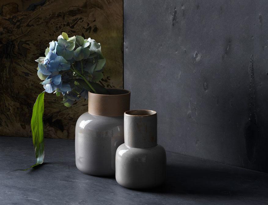 Die Blumenvasen aus Keramik von Cecilie Manz