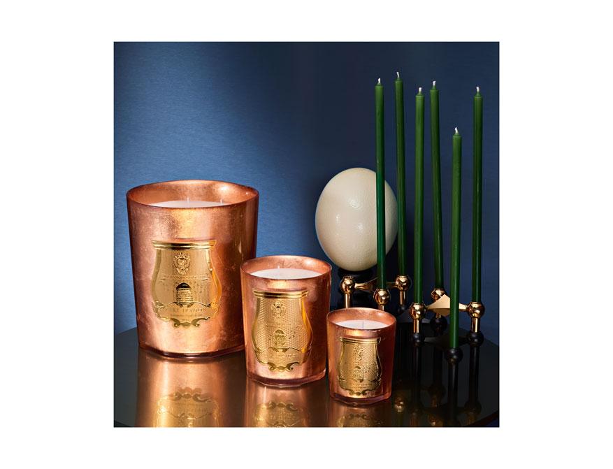 Duftkerze Nazareth in verschiedenen Größen und einem bronziertem Glas von Cire Trudon