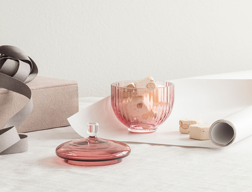 Bonbonniere aus Glas in burgundy von Lyngby