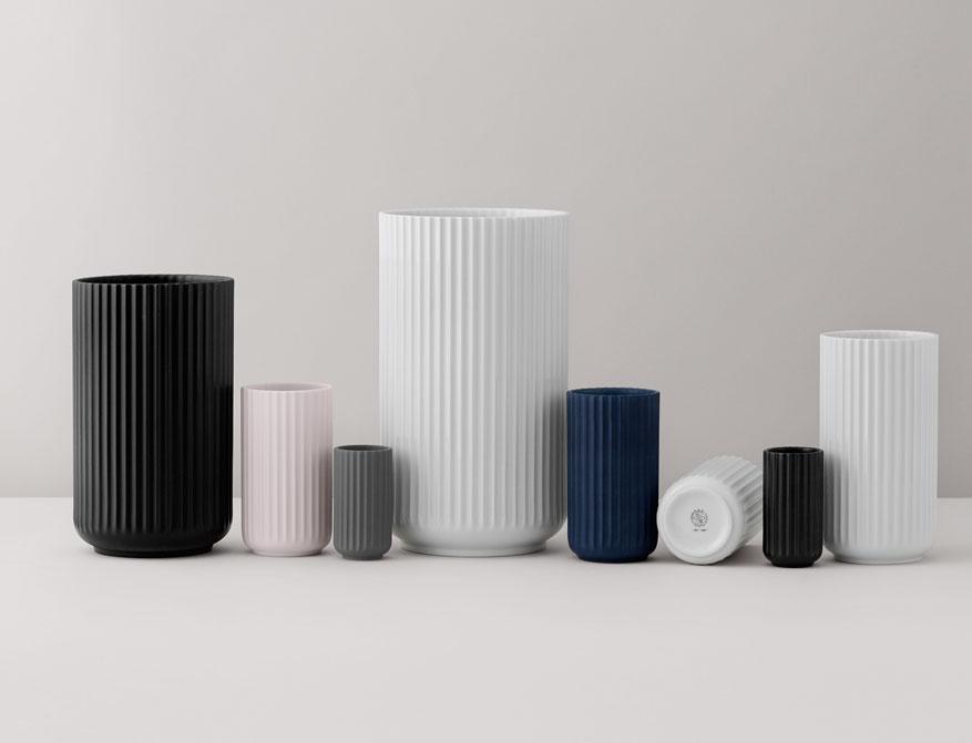 Vase oder Windlicht aus Porzellan in verschiedenen Farben und Größen von Lyngby