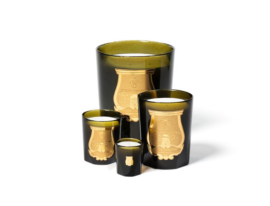 Die Duftkerzen in verschiedenen Größen im Glas von Cire Trudon
