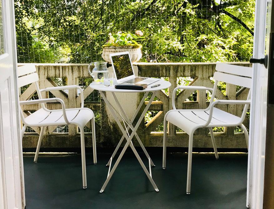 Outdoor Möbel Luxembourg und Bistro in der Farbe Muskat von Fermob