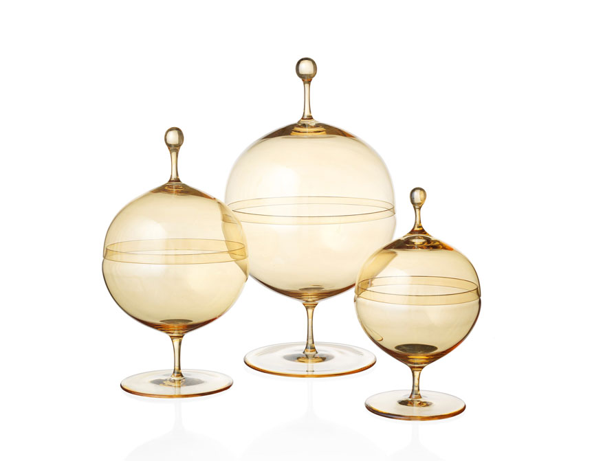 Die Kugeldosen Goldlüster in verschiedenen Größen von Oswald Haerdtl hergestellt von Lobmeyr in Wien