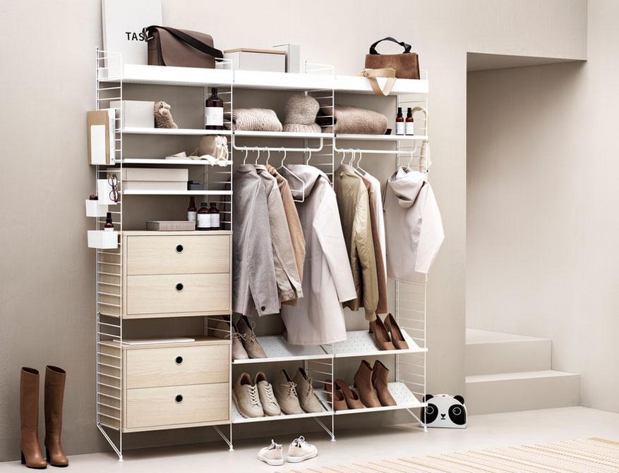 Hall Regalsystem von String Furniture in Ausführung weiß und beige