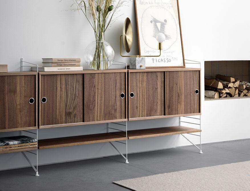 Livingroom Regalsystem von String Furniture in Ausführung Walnuss und weiß