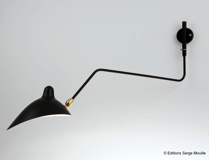 Die einarmige Wandleuchte in Ausführung schwarz von Serge Mouille
