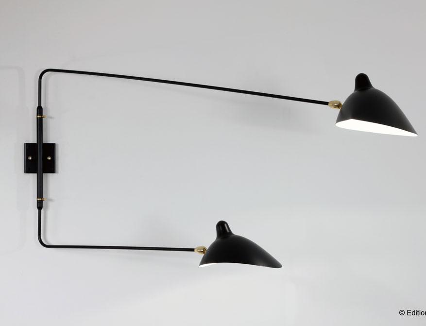 Die zweiarmige Wandleuchte in Ausführung schwarz von Serge Mouille