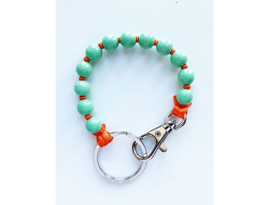 Das kurze Schlüsselband in Ausführung pastellgrün/orange von Ina Seifart
